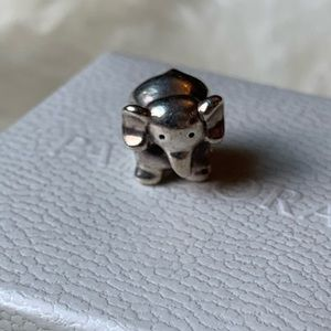 Pandora retired elephant charm